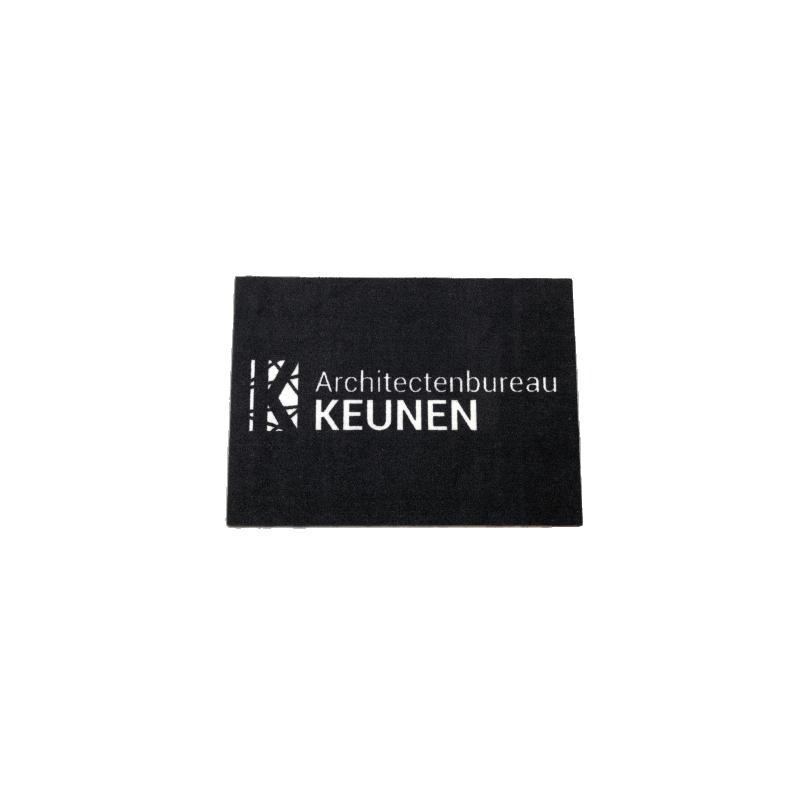 Mata z logo Simple wykładzina z nadrukiem tło czarne napis biały