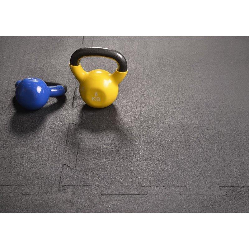 Maty na siłownię fitness Puzzle 100x100 cm czarna realizacja foto