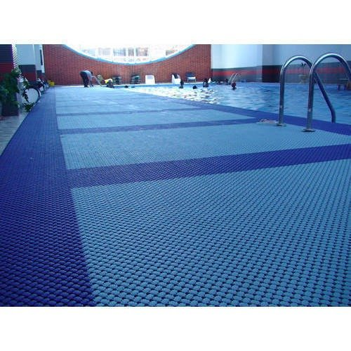Pool mats and disinfection of pools
