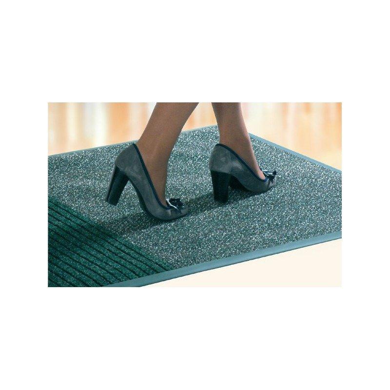 Maty wejściowe najlepszym systemem czyszczenia obuwia